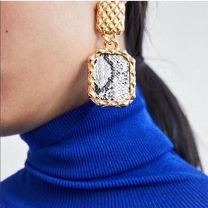 NEW 🌹 Zara Gold Snake Print Earrings